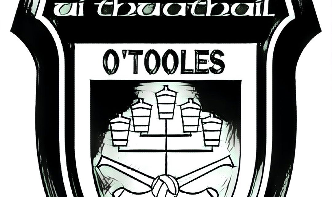 Club crest in Black and white